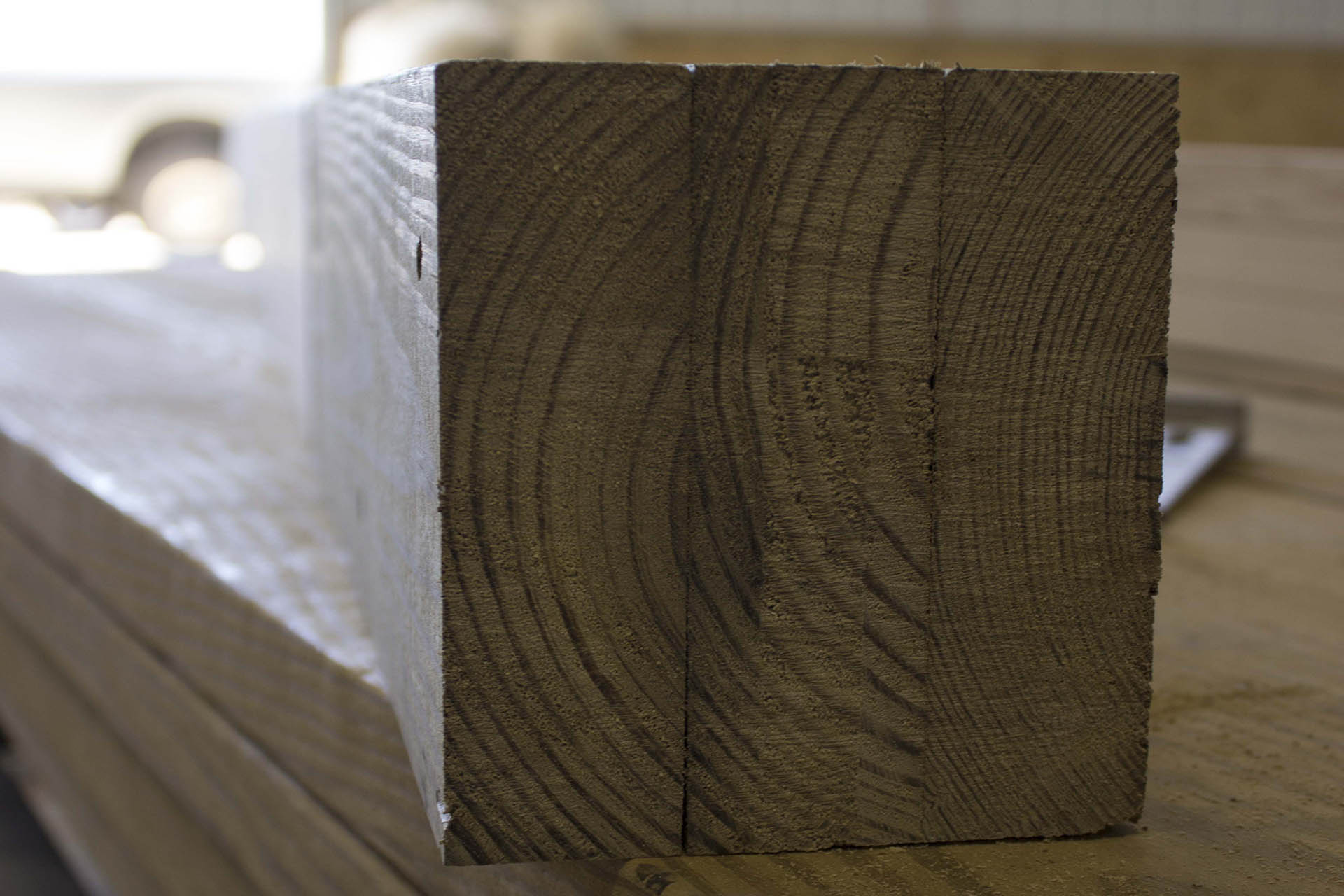 The Advantages Of Laminated Building Posts Triad